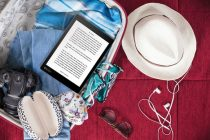 kobo-aura-one-on-picnic-blanket